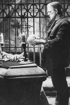 Boris Karloff - The Bride of Frankenstein Classic Monster Movies, Classic Horror Movies, Classic Monsters, Horror Films, Horror Art, Horror Monsters, Scary Monsters, Famous Monsters, Scary Movies