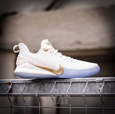 Two A Day Workouts, Basketball Diaries, Baskets, Kobe Mamba, Kobe Shoes, Nike Basketball, Dream Shoes, Shoe Collection, Nike Free