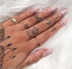 Imagen de nails, tattoo, and rings