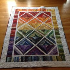 November 25 - Featured Quilts on 24 Blocks - 24 Blocks Yet another string quilt - pretty