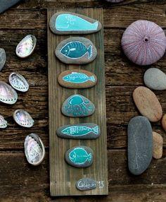 55 Liebenswertesten DIY Painted Rock Art Ideen - Homemydesign - Art World Pebble Painting, Pebble Art, Stone Painting, Diy Painting, Stone Crafts, Rock Crafts, Rock Painting Designs, Paint Designs, Art Rupestre