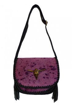 Bolso Bandolera Piel Fucsia #motufashion #bolsos Bags, Fashion, Hot Clothes, Clothes Shops, Hot Pink, Fashion Trends, Women, Handbags, Moda