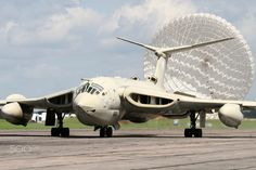 Aviation Photo Handley Page Victor - British Aviation Heritage - Cold War Jets Collection Navy Aircraft, Ww2 Aircraft, Fighter Aircraft, Military Jets, Military Aircraft, Air Fighter, Fighter Jets, Handley Page Victor, War Jet