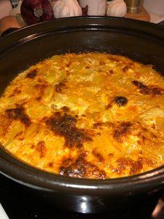 Tupun tupa: Peruna-jauhelihavuoka Macaroni And Cheese, Curry, Ethnic Recipes, Food, Curries, Essen, Mac And Cheese, Yemek, Meals