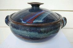 Large Casserole Dish by Ian Macrae Pottery Shop, Pottery Tools, Handmade Pottery, Ceramic Pottery, Pottery Art, Ceramic Art, Pottery Designs, Pottery Ideas, Ceramic Glaze Recipes