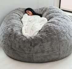 """1,824 Likes, 73 Comments - Good Housekeeping (@goodhousekeeping) on Instagram: """"This GIGANTIC fluffy pillow is exactly what your week needs.  Go to the link in our bio for more…"""""""