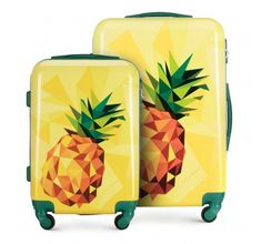 Luggage set made from a hardwearing ABS material with the additional polycarbonate coating. Crafted in captivating modern design with colourful prints of nature and wildlife, this set will meet the expectations of every savvy traveller. The luggage set is offered in an array of colours: green, blue, pink and yellow. Designed with geometric casing, this luggage boasts a blend of summer style and creativity! | WITTCHEN #wittchen #wittchencom #luggage #suitcase #luggageset #travel #exoticdesign Suitcase Bag, Best Wallet, Luggage Sets, Office Accessories, Backpack Bags, Leather Handbags, Colours, Yellow
