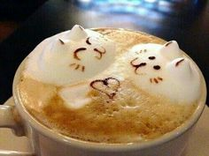 Creative Latte and Coffee Art Designs Coffee Type, Coffee Latte, I Love Coffee, Coffee Break, Coffee Shop, Milkshake, Creme Puff, Coffee Cookies, Cafe Art