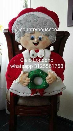 Com – SkillOfKing. Christmas Chair, Christmas Stockings, Christmas Crafts, Merry Christmas, Xmas, Chair Backs, Snow Globes, Sewing Projects, Teddy Bear