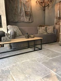 www.nl - Home Page Stone Tile Flooring, Flagstone Flooring, Kitchen Flooring, Slate Flooring, Stone Tiles, Home And Living, Living Room, Sweet Home, New Homes