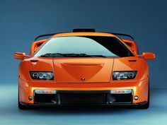 Lamborghini Countach'a Önden Bir Bakış