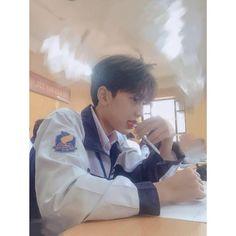 Tìm -)) Korean Boys Ulzzang, Cute Korean Boys, Ulzzang Couple, Ulzzang Boy, Asian Boys, Boy Squad, Chica Cool, Dragon City, Girl Korea