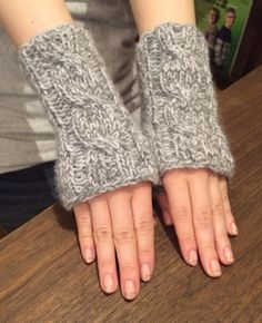 """""""One cable mitts"""""""