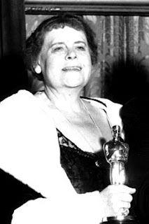 "The Academy Awards Ceremony Marie Dressler Best Actress Oscar for ""Min and Bill"" Academy Award Winners, Oscar Winners, Academy Awards, Vintage Hollywood, Classic Hollywood, Hollywood Icons, Marie Dressler, Best Picture Winners, Best Actress Oscar"