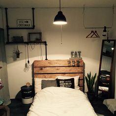 246ra_Rieさんの、ベッド周り,観葉植物,ハンガーラック,DIY,パレット,男前,セメント,塩ビパイプ,パレットベッド,ぺール缶,のお部屋写真