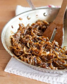 How To Caramelize Onions — Cooking Lessons from The Kitchn. Tried this method using balsamic to finish them, Sept seriously amazing restaurant quality caramelized onions. Cooking Tips, Cooking Recipes, Healthy Cooking, Basic Cooking, Cooking Lamb, Cooking Gadgets, Cooking Classes, Fresh Pasta, French Onion