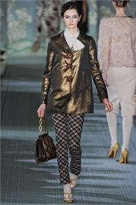 Fall Winter 2012-13 Tory Burch, New York.  - click on the photo to see the complete collection and review on Vogue.