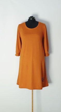 Kjole str.46 Handmade Dresses, Shirt Dress, T Shirt, Dresses For Work, Fashion, Supreme T Shirt, Moda, Shirtdress, Tee Shirt