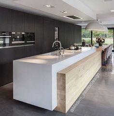 Superbe cuisine moderne par @GicinqueCucine exposée sur http ...