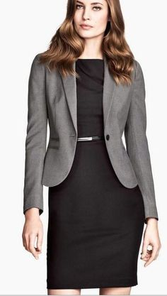 Professional Work Outfit, simple but sleek - Daily Fashion Outfits Business Professional Outfits, Professional Dresses, Business Dresses, Business Outfits, Business Fashion, Business Casual, Women Business Attire, Corporate Attire Women, Business Formal Women