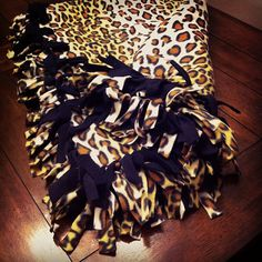 Sew Blankets How to Make a Tie Blanket- Easy, No Sew Fleece Blanket Making Instructions for the Novice - Learn how to make a tie blanket with detailed instructions and videos. No sewing involved! Fleece Tie Blankets, No Sew Fleece Blanket, No Sew Blankets, Fleece Fabric, Knot Blanket, Throw Blankets, Make A Tie, How To Make, Craft Gifts