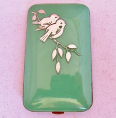 """VASHE Vintage Art Deco Green Enameled Compact with Silver Love Birds  (3.1"""")"""
