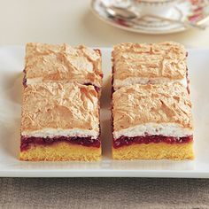 A very pretty slice - a biscuit base spread with good red jam and topped with a thin layer of coconut meringue. Cookbook Recipes, Baking Recipes, Marshmallow Slice, Yummy Things To Bake, Slab Cake, Finger Desserts, Cold Cake, Different Cakes, Savoury Cake