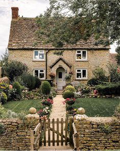 English Country Cottages, English Country Style, English Countryside, Cottage Homes, Cottage Style, Cottage Interiors, Cottage Gardens, Home Design, Harry Styles