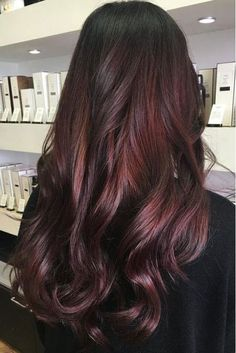 Hair Color Trends That'll Make 2018 Absolutely Brilliant for Brunettes: Mahogany