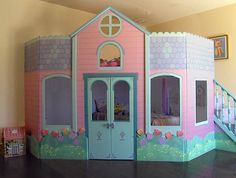 Kidsloveplayhouse - Outdoor castle playhouse with blue color design Inside Playhouse, Kids Indoor Playhouse, Girls Playhouse, Build A Playhouse, Castle Playhouse, Simple Playhouse, Pallet Playhouse, Playhouse Ideas, Ceiling Murals