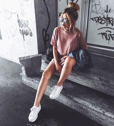 Tumblr aesthetic instagram girl fashion pic photography urban city Garota moda mulher feminina foto fotografia urbano cidade BLOGGER & YOUTUBER AUGSB/MUNICH, germany BUSINESS: mail@arrestthisgal.com SNAPCHAT: arrestthisgal YOUTUBE: arrestthisgal SHOP MY OUTFIT #urbanmoda