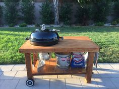 Discuss any and everything BBQ. Have questions? Ask fellow pitmasters! Kettle Bbq, Weber Kettle, Grill Stand, Grill Cart, Weber Bbq Grills, Bbq Shed, Outdoor Grill Station, Grill Table, Diy Grill