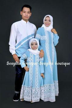 Kebaya for couple Mom Daughter Matching Dresses, Matching Couple Outfits, Little Girl Dresses, Girls Dresses, Batik Fashion, Abaya Fashion, Muslim Fashion, Women's Fashion Dresses, Diy Dress
