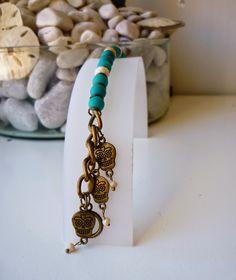 Pulsera de calaveras en color Oro viejo y verde #skull #bracelet