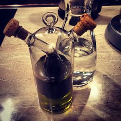 Oliwny Shrek i jego kumpel! #oliveoil #shrek #kuchnia #kitchen #wroclaw #food #jedzenie #kitchenware