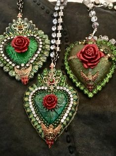 How to Create an Irish Rose With Cristine Martin Jewelry Crafts, Handmade Jewelry, Tin Art, Mexican Folk Art, Bijoux Diy, Heart Art, Heart Jewelry, Religious Art, Creations