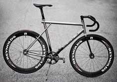 """Spectrum Ti Custom Track more info and pics at flickr.com/photos/aarn/6172154147/in/album-72157627676739390/ #cycling #biking #trackbike #titanium…"""
