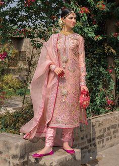 Pakistani Fashion Party Wear, Pakistani Wedding Outfits, Indian Party Wear, Pakistani Dress Design, Pakistani Dresses, Indian Wear, Indian Fashion, Stylish Dress Designs, Stylish Dresses