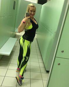 Čez teden dni bom uživala v Tuniziji, te dni pa bom trpela na MaxxFitnesu.😓🏝👙🏜😎 #2skinslovenija #2skin #clothes #slowatcslovenija #adidas #watch #tomassport #newbalance #sneakers #maxxfitnes #training #fitness @maxxfitnes