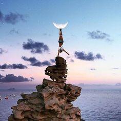 Sunset/handstand goals! #yogagoal #beachvibes #sunset