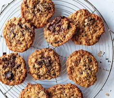 Your Fave Foods Made Healthy: Flourless Oatmeal Chocolate Chip Cookies