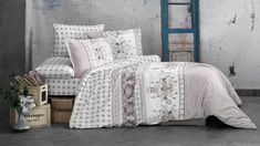 Fotka Comforters, Blanket, Bed, Home, Creature Comforts, Quilts, Stream Bed, Ad Home, Blankets
