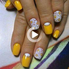 Yellow Nails Design, Yellow Nail Art, Floral Nail Art, Cute Nail Art Designs, Short Nail Designs, Nail Designs Spring, Floral Designs, Spring Nails, Summer Nails