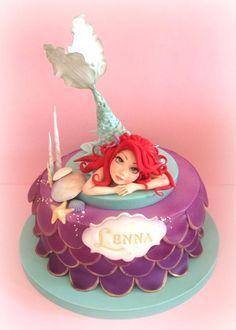 La sirenita - cake by Cristina Little Mermaid Cakes, Mermaid Birthday Cakes, Fondant Cakes, Cupcake Cakes, Sirenita Cake, Ariel Cake, Sea Cakes, Disney Cakes, Novelty Cakes