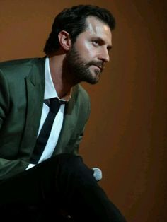 Richard Armitage listening.  He has a wonderful way of concentrating on the person speaking to him, repeating the question, then giving a very thoughtful answer. This isn't a shallow man.