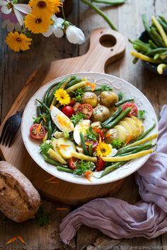 Sałatka z fasolki szparagowej, ziemniaków i pomidorów. Green beans, potato and tomato salad #sałatka #salad #fasolkaszparagowa #greenbeans