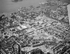 HAW01/09404/11 Aerial view of Plymouth, looking towards Millbay Docks