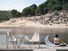 A new company from Spain called DVELAS is making limited edition outdoor furniture from old sails. Created by a group of Spanish architects and designers, DVELAS takes old sails and re-uses them so that they don't end up in the trash. Instead, they're transformed into contemporary, comfortable heavy duty outdoor seating.