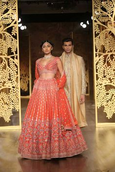 All Indian Bride used to very excited about there wedding shopping. When its come to Bridal lehenga bride used to visit the market, brand and online to Designer Bridal Lehenga, Indian Bridal Lehenga, Indian Bridal Wear, Indian Wear, Designer Lehanga, New Delhi, Indian Dresses, Indian Outfits, Indian Clothes