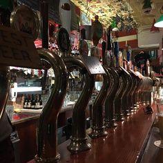 Übrigens: Die vermutlich geilste Bierbar Venedigs @ilsantobevitorepub sucht Personal. #venedig #venice #beer #bier #bar #pub by holgerklein